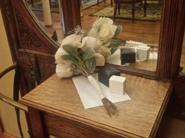 Bride's bouquet and rings, Balch Hotel